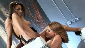 Celeste Star & young teen chick Carli Banks shared sex tape