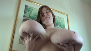 Thick slut Lexxxi Luxe gets a buzz out of nailed rough