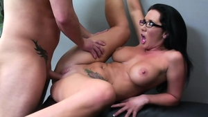 Raw sex escorted by very sensual brunette