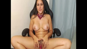 Colombian girl Jean Val Jean craving nailing
