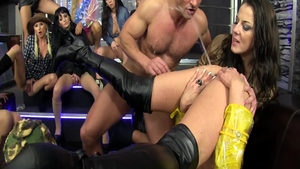 Rough sex in the company of big butt blonde Nicole Vice