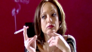 Very hawt MILF Ariana Marie erotic smoking