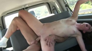 Young amateur handjob in van