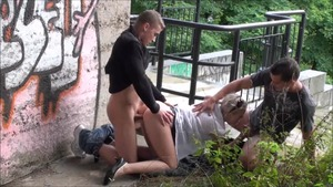 Amateur goes in for raw fucking