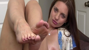 Auntie Mindi Mink wishes for sex scene wearing panties