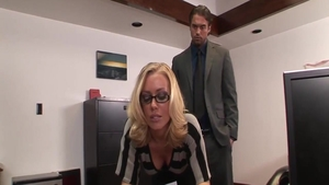 Blonde Nicole Aniston digs rough nailing