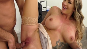 Naughty babe american Cali Carter pussy eating