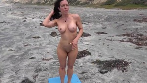 Yoga escorted by naked stepmom