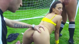 Big booty pornstar Mea Melone goes in for hard pounding