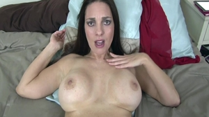 Perfect chick Mindi Mink hardcore bends to get fucked HD
