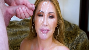 Rough receiving facial next to hot asian babe Kianna Dior