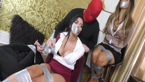 Hawt girl has a taste for tied up