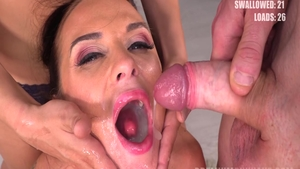 Hawt babe Cristal Caitlin has a thing for cumshot