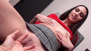 Stepsister wishes for sex scene in HD