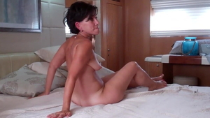 Housewife gets a buzz out of orgy HD
