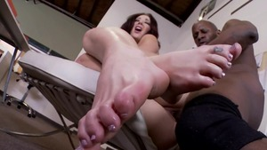 Busty mature Jayden Jaymes has a thing for loud sex
