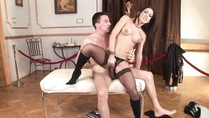 Long legs Mya Diamond handjob in sexy stockings