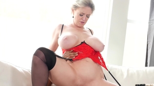 Raw slamming hard with curvy blonde babe Dee Williams in HD