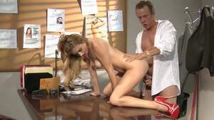 Hard hard nailining escorted by perfect stepmom Lexi Belle