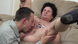 GrannyGuide.com: Young granny rough blowjob sex with toys HD